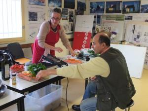 Epluchage des legumes du panier